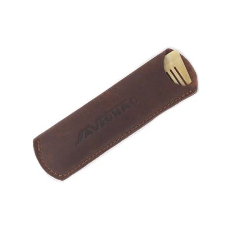 Etui en cuir pour peigne en corne ariégeois de poche